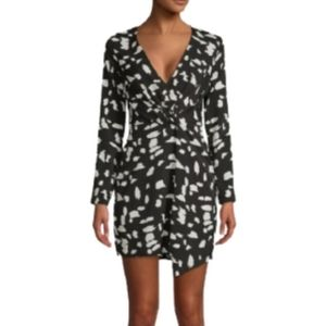 MISSGUIDED Long Sleeve Twist Front Shift Dress